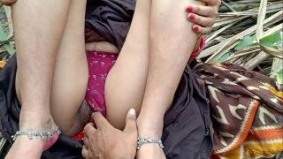 Indian Girlfriend outdoor sex with boyfriend