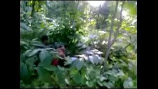 Village bhabhi outdoor fuck with horny neighbour